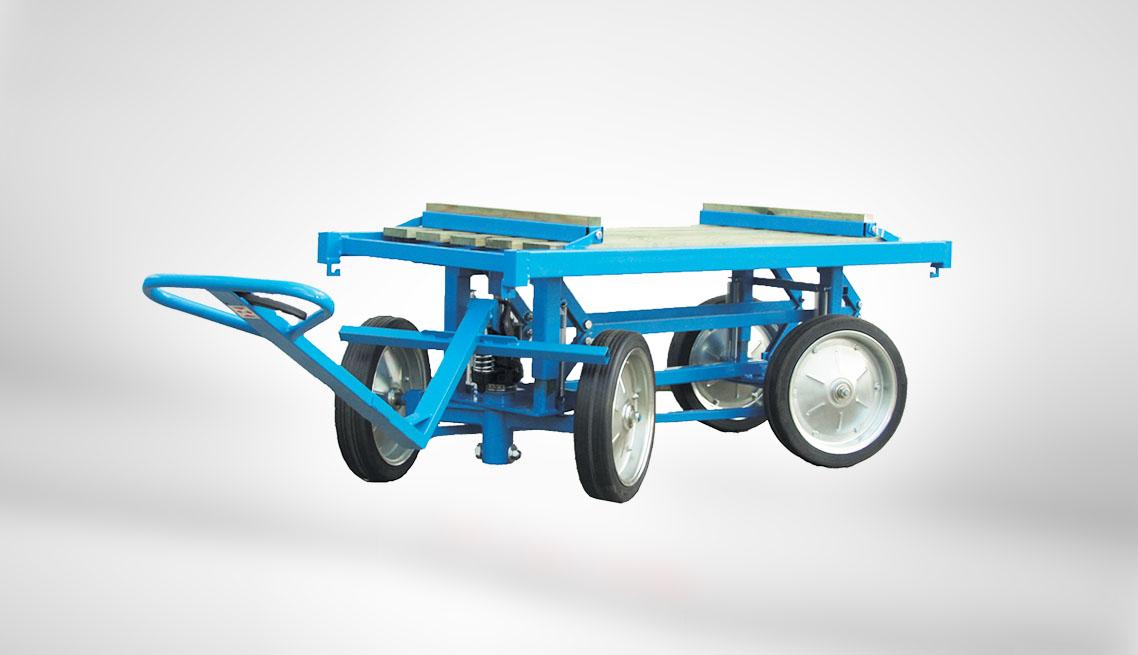 Wózek z podnośnikiem