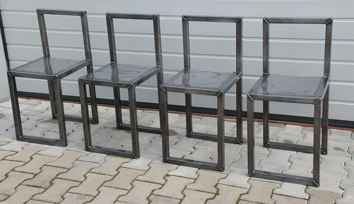 Zamówione krzesła warsztatowe